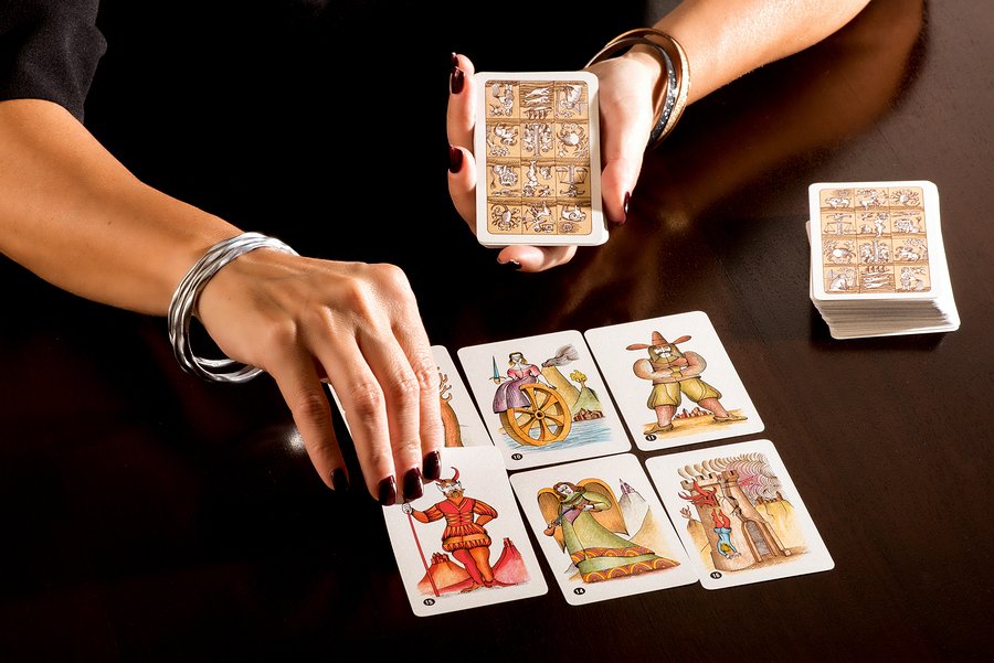 Getting a Tarot Reading to Build Your Love Life