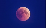 Using the Moon to Manifest Your Desires